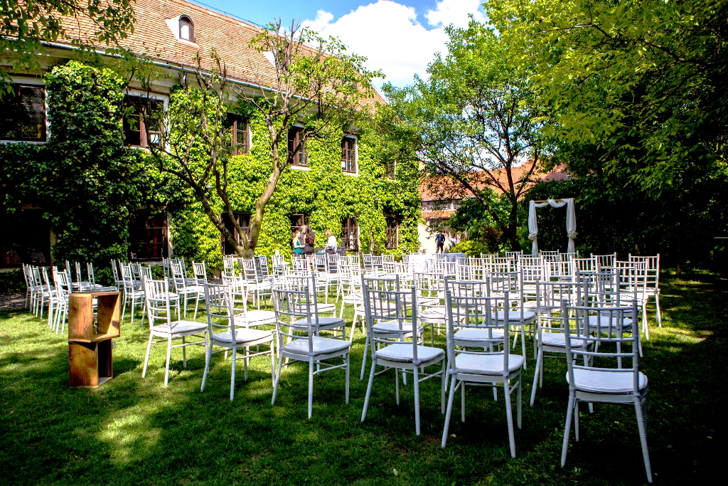 Selyemgombolyító Rendezvényház - a tökéletes esküvőhelyszín Óbuda történelmi belvárosában.